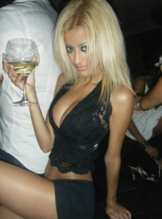 Zahia Dehar