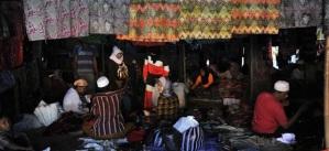 batik Madura di pasar 17 Agustus, Pamekasan, Madura